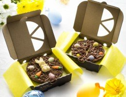 Easter Mini Chocolate Pizzas