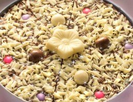 Flower Chocolate Pizza